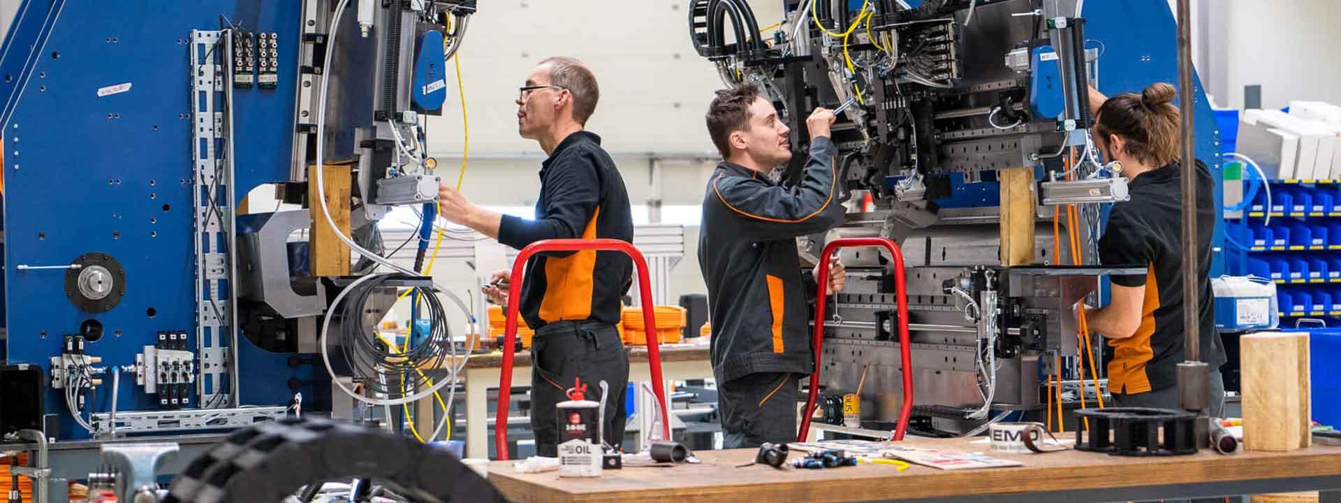 Fabriceren van een automatische productielijn #AchterDeSchermen